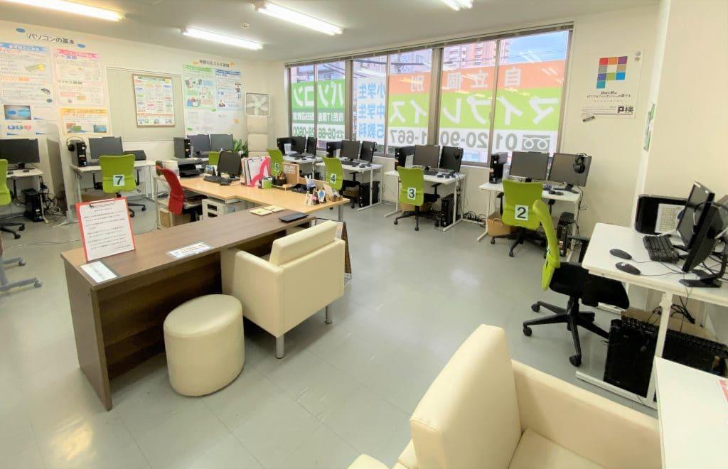 大阪市、阿倍野区、西田辺にあるパソコン市民IT講座西田辺教室 室内写真