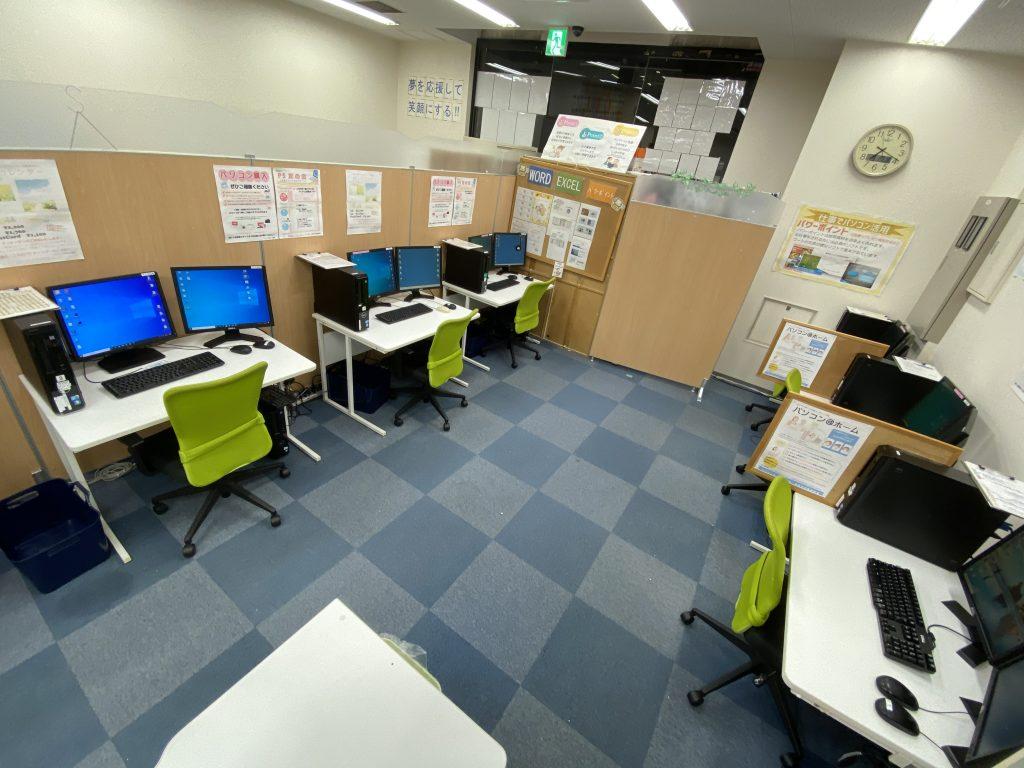 和泉市のパソコン市民IT講座J和泉中央駅前教室 室内風景